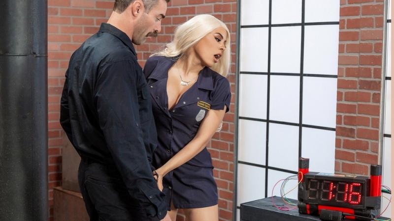 Luna Star [HD 1080, Big Tits, Blonde, Bubble Butt, Latina, Uniform, porn 2018]
