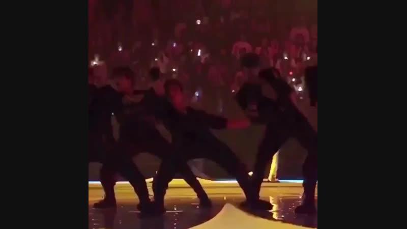 [VK][181212] MONSTA X fancam @ Mnet Asian Music Awards 2018 in JAPAN