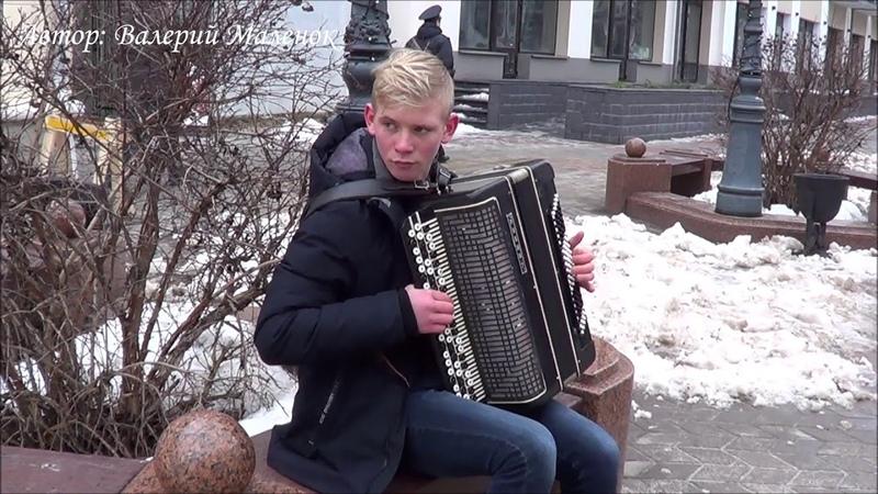 Музыка в тему ЯБЛОКИ НА СНЕГУ Music