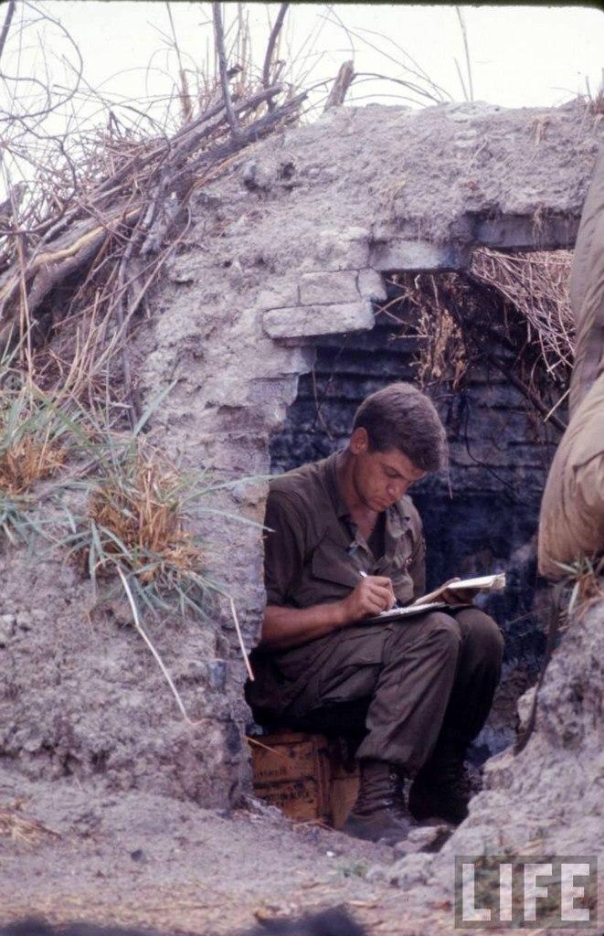 guerre du vietnam - Page 2 ULiniNpFzaI