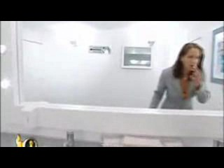 Прикол в женском туалете! Мега розыгрыш!!! Немцы рулят!