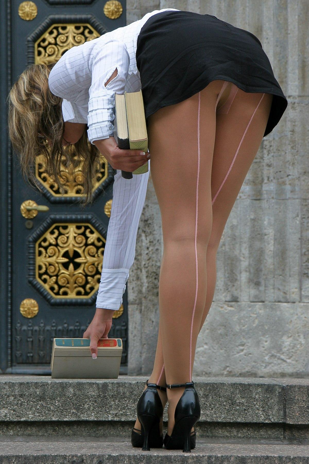 Юбки с разрезом чулки фото женщины 18 фотография
