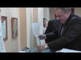 На избирательном участке в Волгограде журналистам ИА «Высота 102» пытались разбить камеру