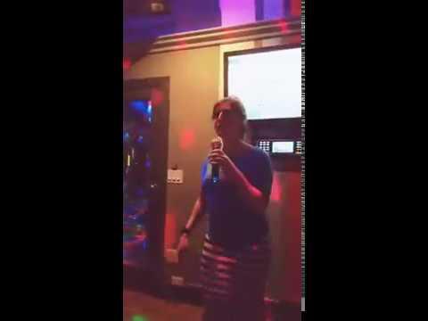 Mayim Bialik Karaoke (Stay by Rihanna)