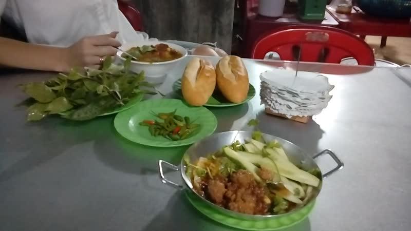Ужин во Вьетнаме, как он есть