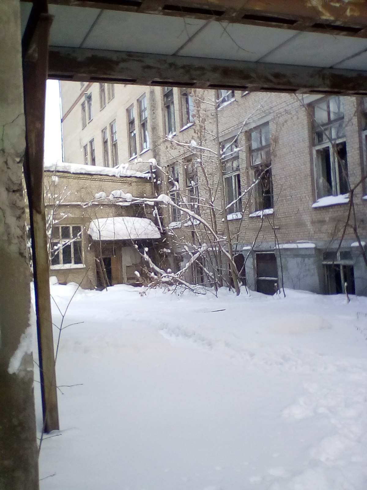 Заброшенный комплекс ракетного завода Имени Хруничева.