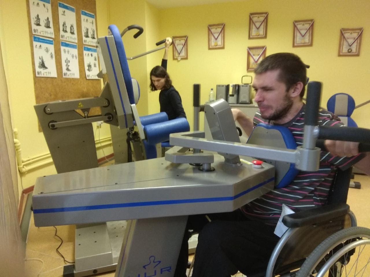 Бои за донецкий аэропорт - эксклюзивное интервью с добровольцем Донбасса МусойУмахановым