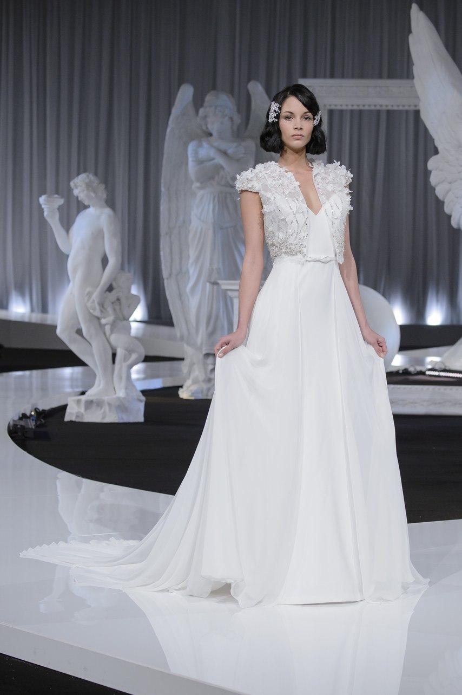 Fm0nCwi5E c - Коллекция свадебных платьев Nicole