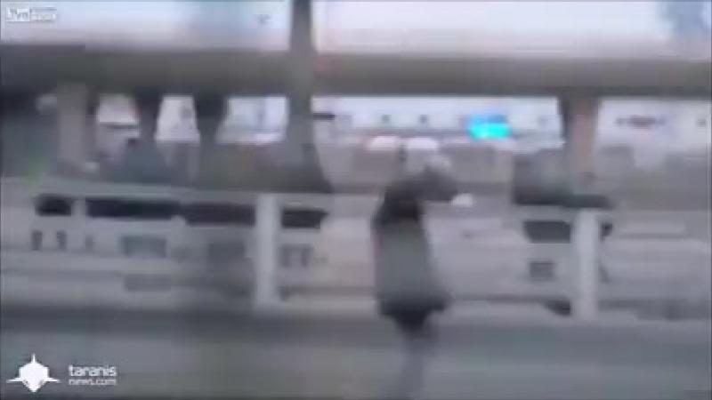 Migranten stürmen zur Fähre nach Großbritanien