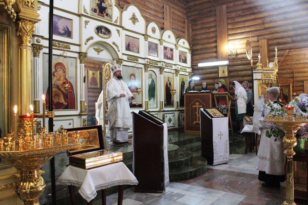 В Никольском храме прошла Божественная литургия в честь  юбилея Императора Николая Александровича Романова – Страстотерпца.