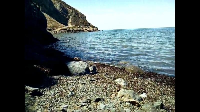 сижу Как Робинзон Крузо и наслаждаюсь морем и скалой))
