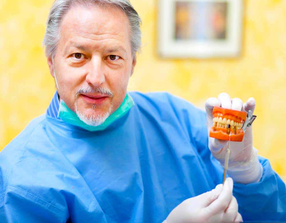 Частичные зубные протезы могут улучшить жевательные способности и речь