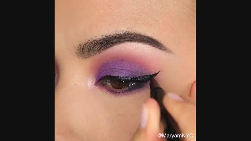 Красивые стрелочки с фиолетовым макияжем