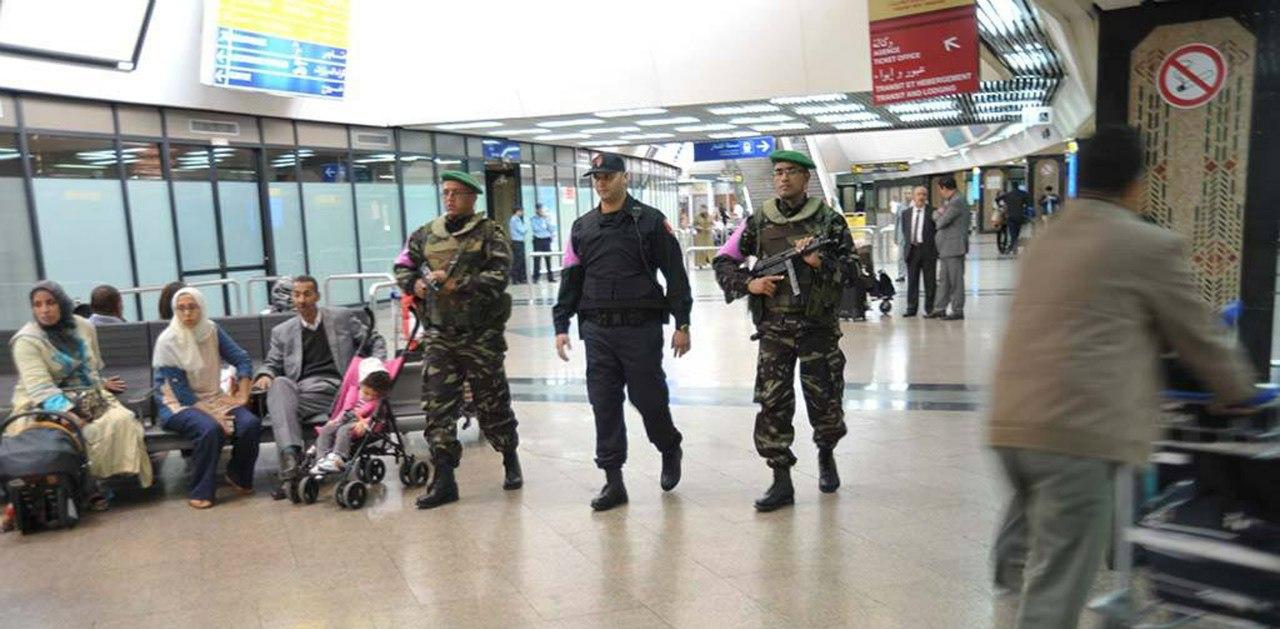 Photos de nos soldats et des Bases Marocaines - Page 2 FSV5CHTlRCs