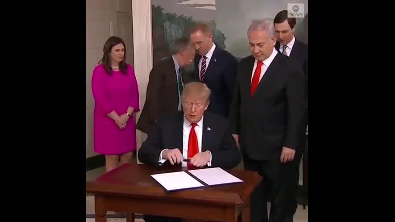 Еще один шаг к строительству 3 храма Трамп подписал документ о признании суверенитета Израиля над Голанами