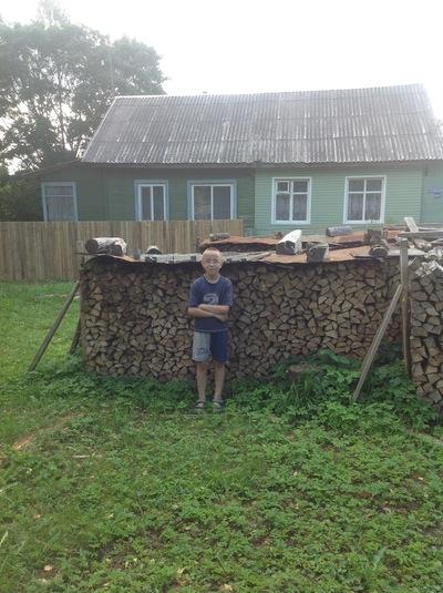 Михаил Лукьянов, 6 августа 1999, Киев, id212895422