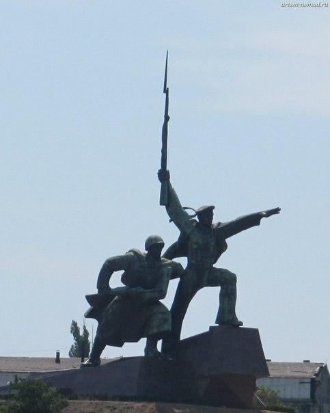 Монумент в память о второй обороне Севастополя