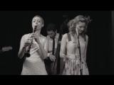 Tu_Vuo'_Fa'_L'Americano_-_Hetty_&ampamp_the_Jazzato_Band-spaces.ru.mp4