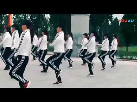一首情路彎彎廣場舞版,聽的陶醉,看的過癮 跳的精彩!全場腳步都停 2010