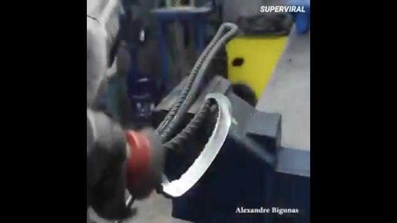 Потрясающая работа топор из стального прутка