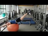 1. Маятник! Данное упражнение для растяжки мышц спины. 2. Брасс! Это упражнение позволяет разгрузить позвоночник и суставы.