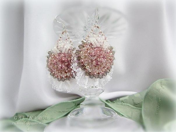 Серьги крем роза ручная вышивка на