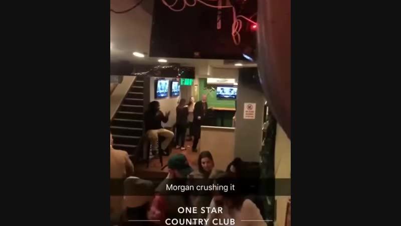 Морган Фримен зажигает в баре смотреть онлайн видео от 70 млн просмотров в хорошем качестве