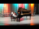 Ульяна и Алина играют Баха
