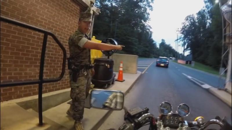 I'm riding my new motorcycle on the military base. Я на своем новом мотоцикле на военной базе в выходной день.