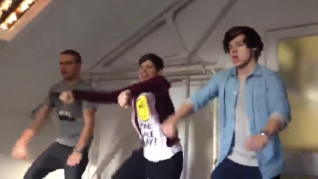 Liam, Louis and Harry dancing zayn like i would