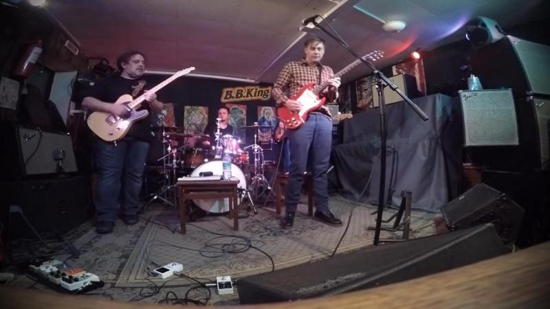 The Bluesheadz - Earls Off The Hook