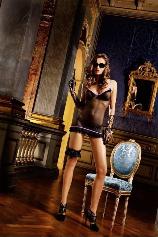 Идеально для особых случаев - это маленькое сексуальное платье черного