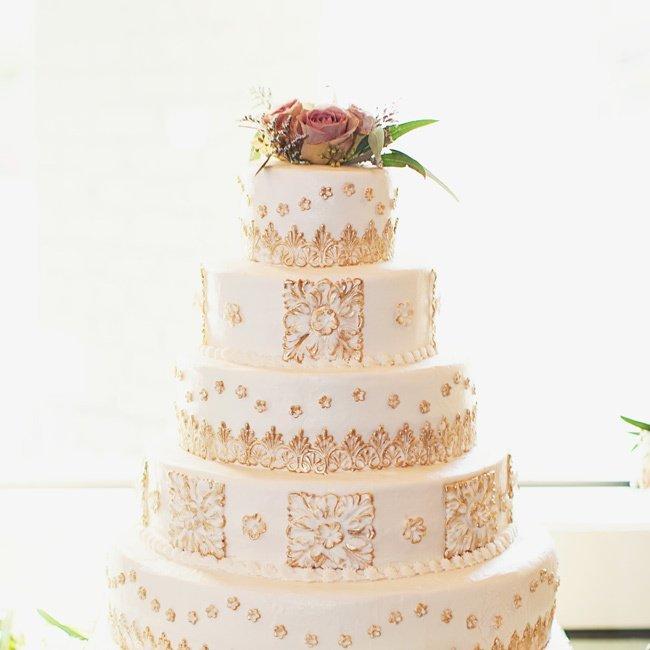 yA363TbXpv0 - Золотые и серебряные свадебные торты 2016 (70 фото)