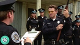 А ну бросай стерео, мудак, иначе яйца отстрелю нахрен! Полицейская академия (1984) год.