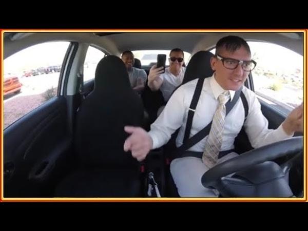 Funny Fake Taxi. Ботаник таксист удивляет пассажиров своим секретным талантом. Прямой Канал