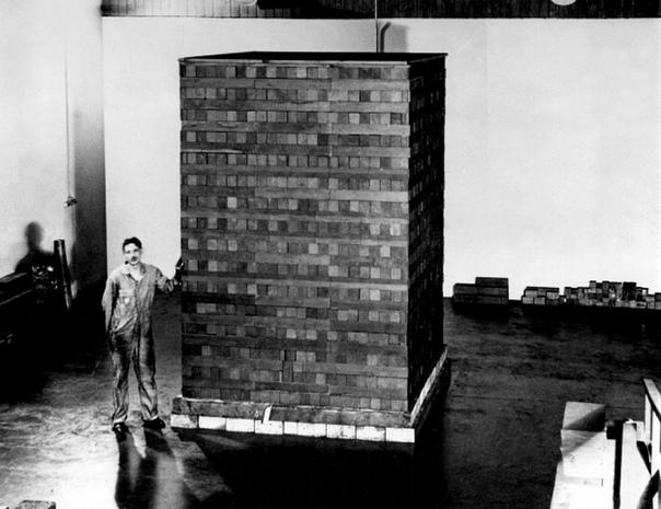 Чикагская поленница 1: первый в мире искусственный ядерный реактор Был построен в 1942 году в Чикагском университете под руководством Энрико Ферми в рамках работ, позднее ставших основой