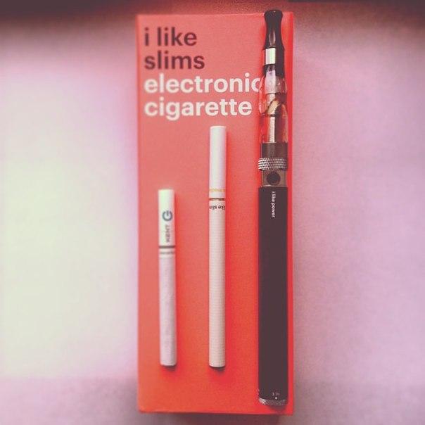 Что самой и сразу не пллучиться, а потому мой муж приобрел в интернет магазине электронную сигарету