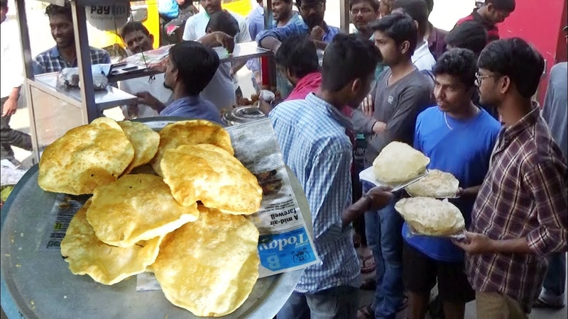 Crazy People Eating Big Size Puri with Sabzi @ 20 rs in Ameerpet Hyderabad   Best Veg Street Food