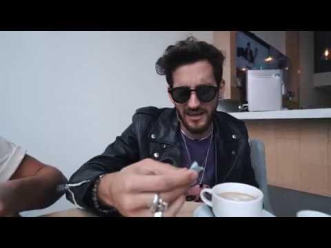 Desayuno con Mau y Ricky | Desconocidos