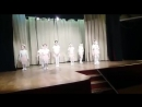 детки танцут под руководством Владимира Ивановича