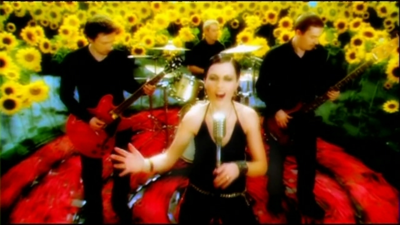 13✭The Cranberries Time Is Ticking Out✭