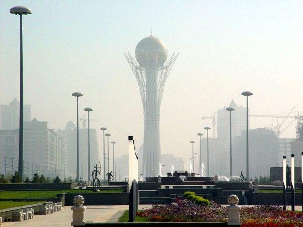 Девальвация тенге: Казахстан защищается от Китая и ЕС