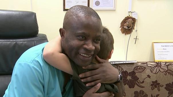 ВТвери врач изКамеруна поставил наноги десятки детей