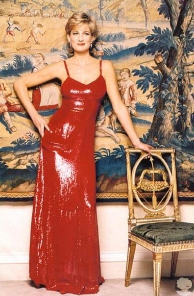 Lady Di in Red