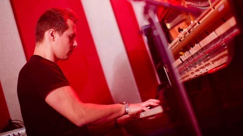 Alex Monfort 'Stablemates'   Live Studio Session
