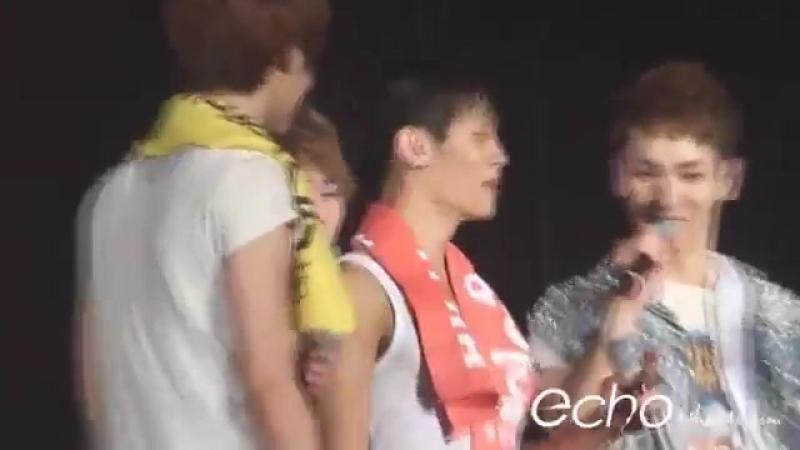 120721 Джонхён на концерте SHINee World Concert II в Сеуле день 1