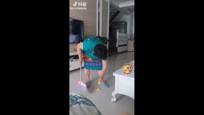 китайские пранкеры в шоке от матрёшек😁😁