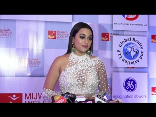 Sharing The Same Frame With Madhuri Dixit Is...- Sonakshi Sinha - Mijwan Fashion Show 2018