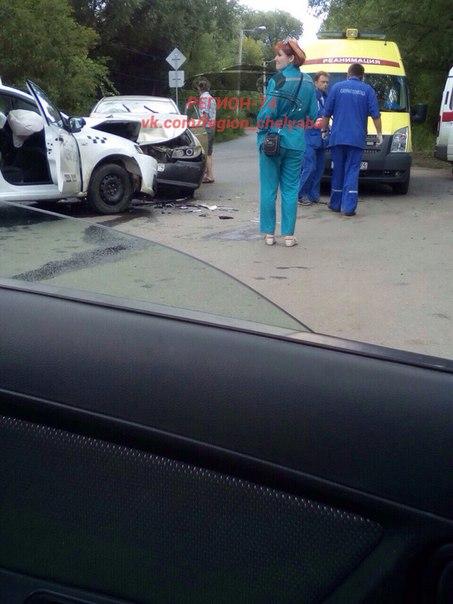 Опубликовано фото ДТП в Челябинске, в котором пострадал водитель такси