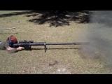 Стрельба из 20-мм антиматериальной винтовки.